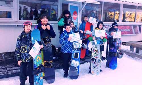 сноуборд училище за деца